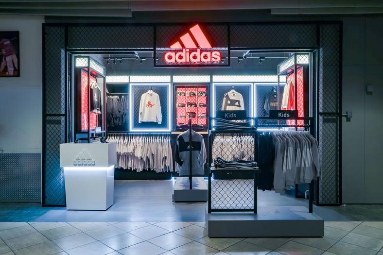 ASTOUND_Adidas_2019_ScotiabankKiosk_(1)
