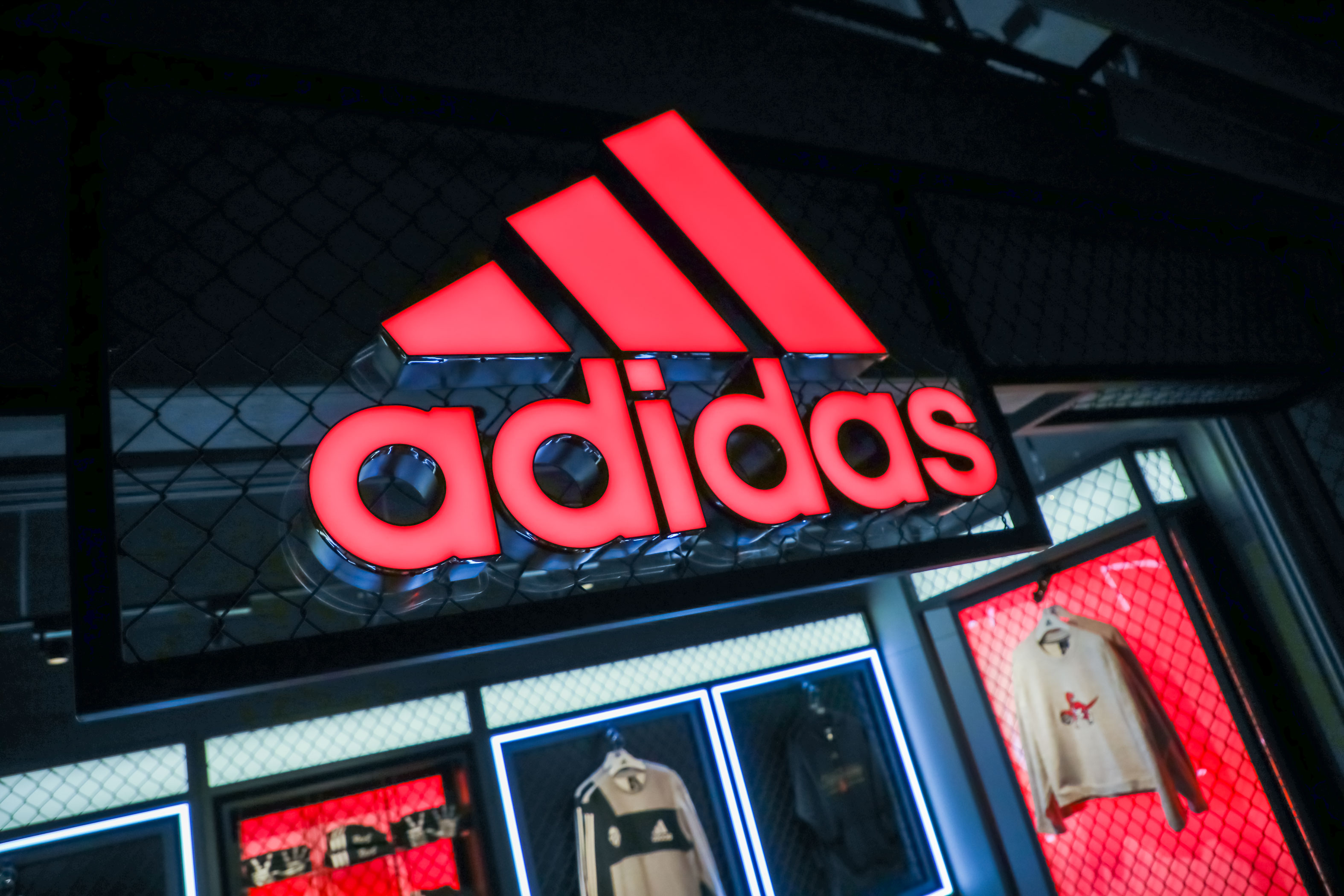 ASTOUND_Adidas_2019_ScotiabankKiosk_(8)