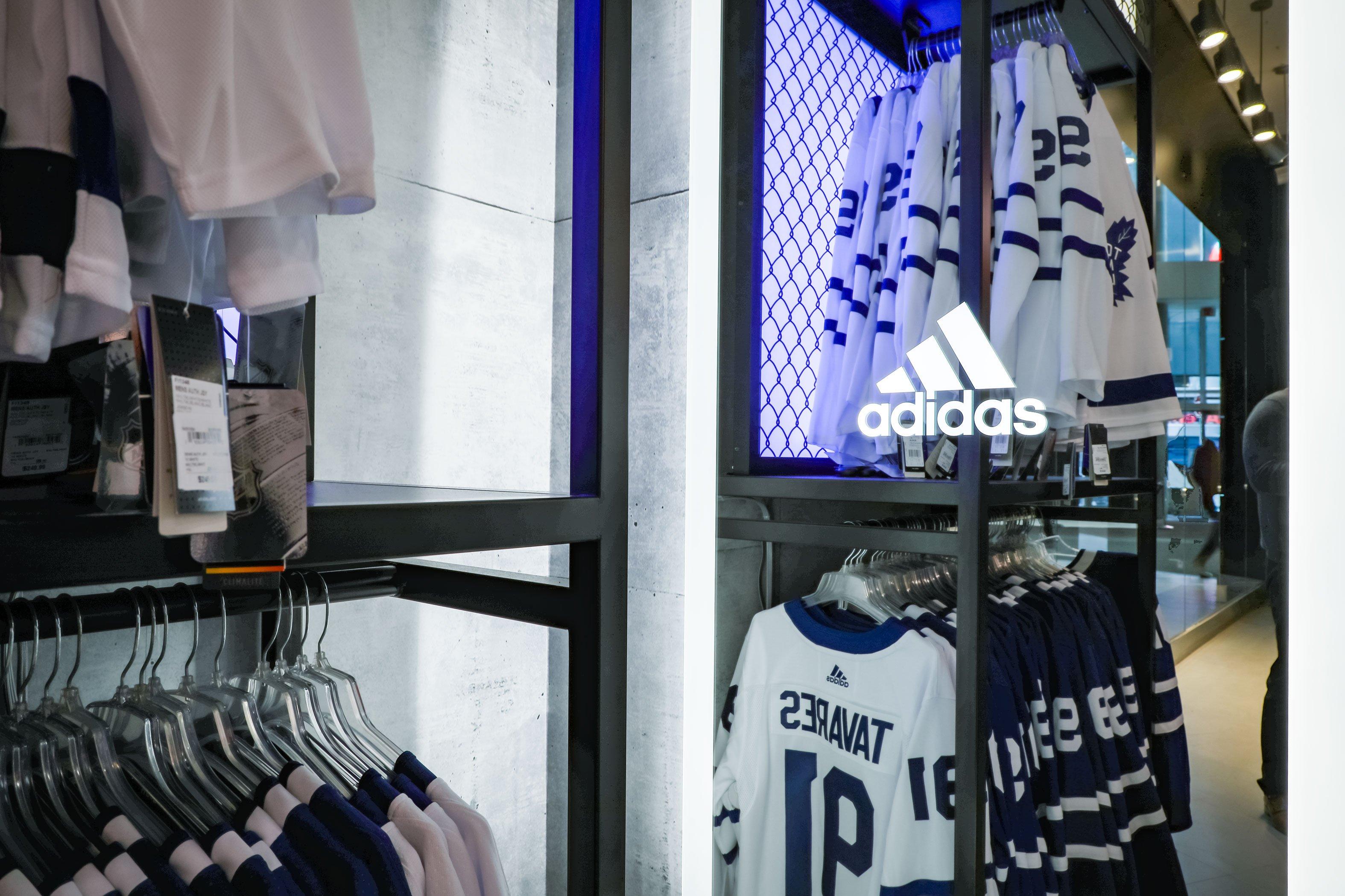 ASTOUND_adidas_2019_SportChekMapleLeafSquare_(4)