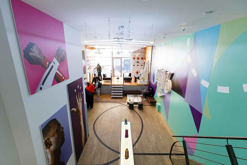 Nike_custom_interior_loft_design_temporary_retail_store_space_product_displays_Toronto2