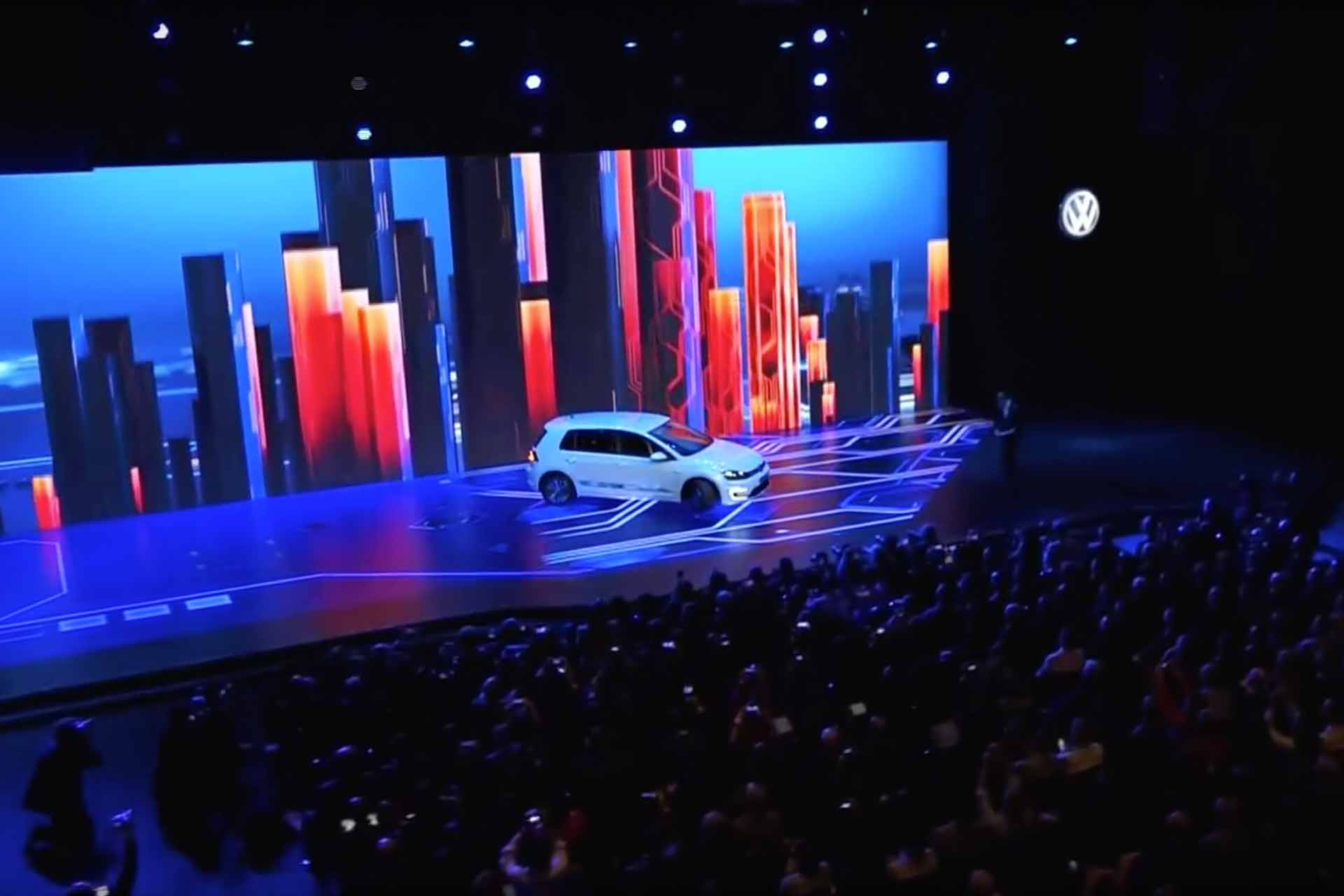 Volkswagen_CES2016_press_media_launch_event_product_display_stage_production_design_fabrication_conference_meeting_space